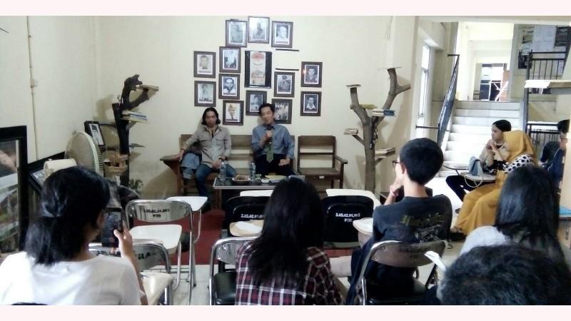 diskusi-forum-mahasiswa-sulut.jpg