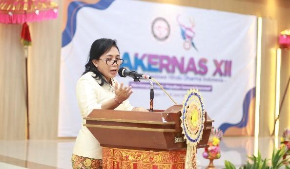 Menteri Bintang Dukung Kepemimpinan Perempuan dalam Organisasi